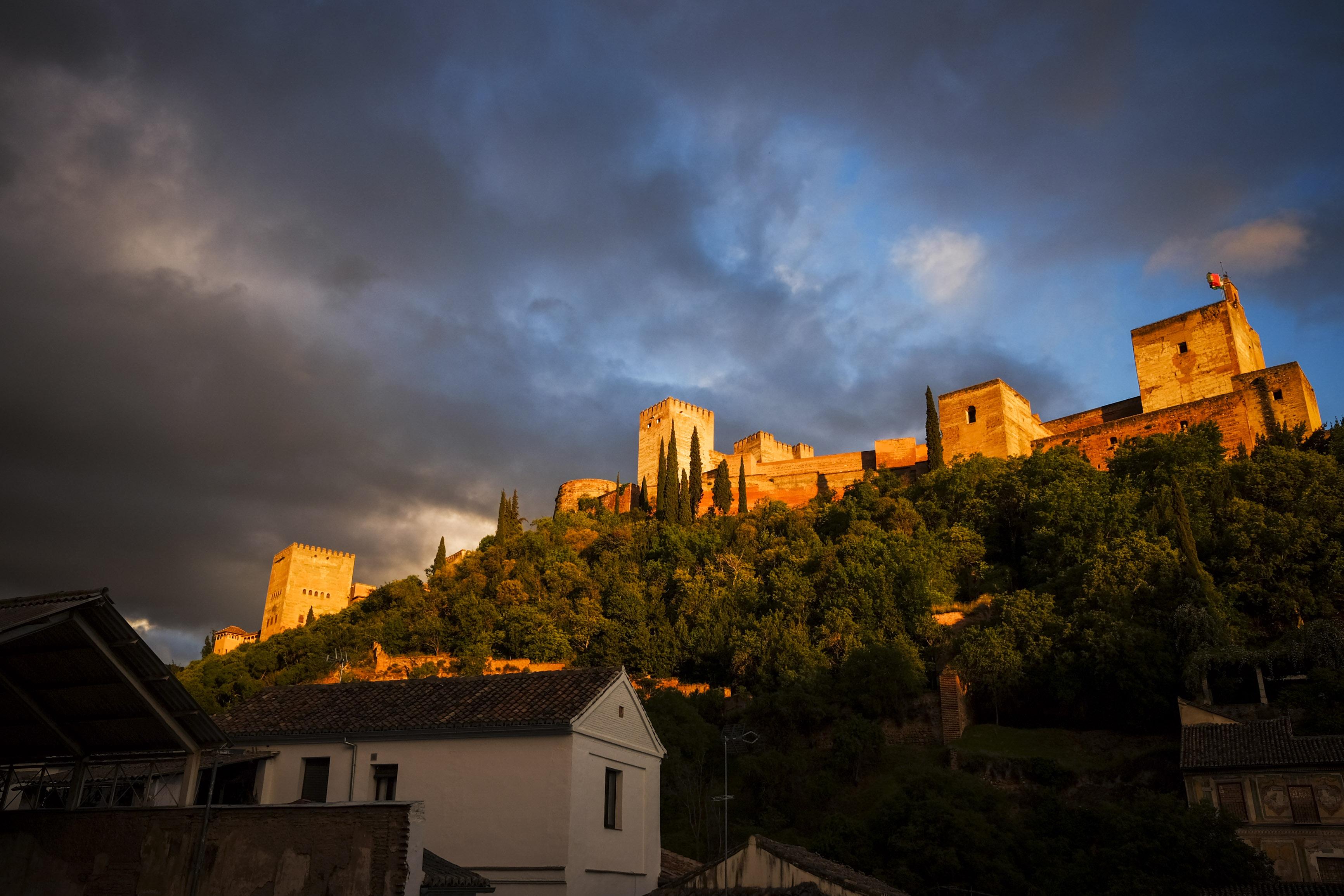 beim abendlichen Wein feuert die Alhambra