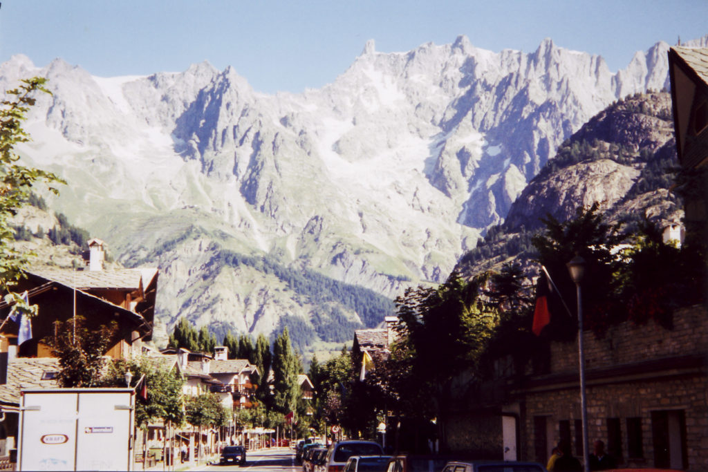 das Mont Blanc Massiv in Courmayeur
