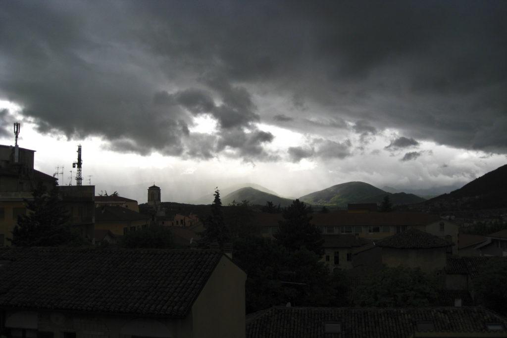L'Aquila und das Wetter