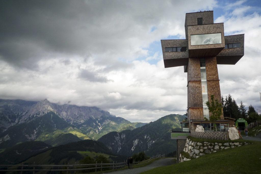 das größte begehbare Gipfelkreuz der Welt