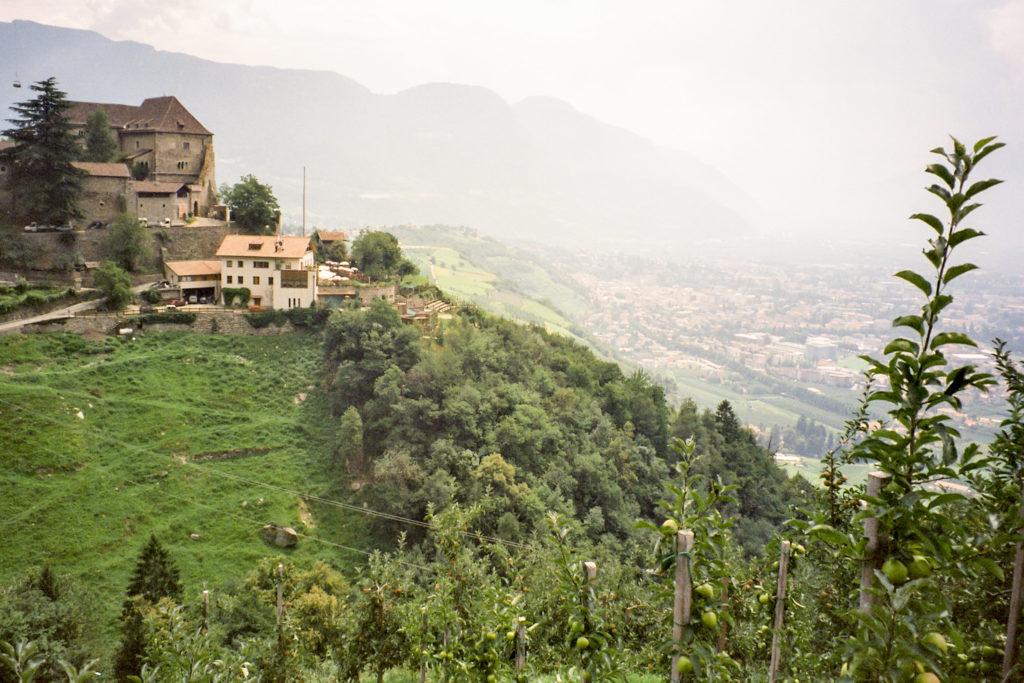 Sicht auf Dorf Tirol und Meran