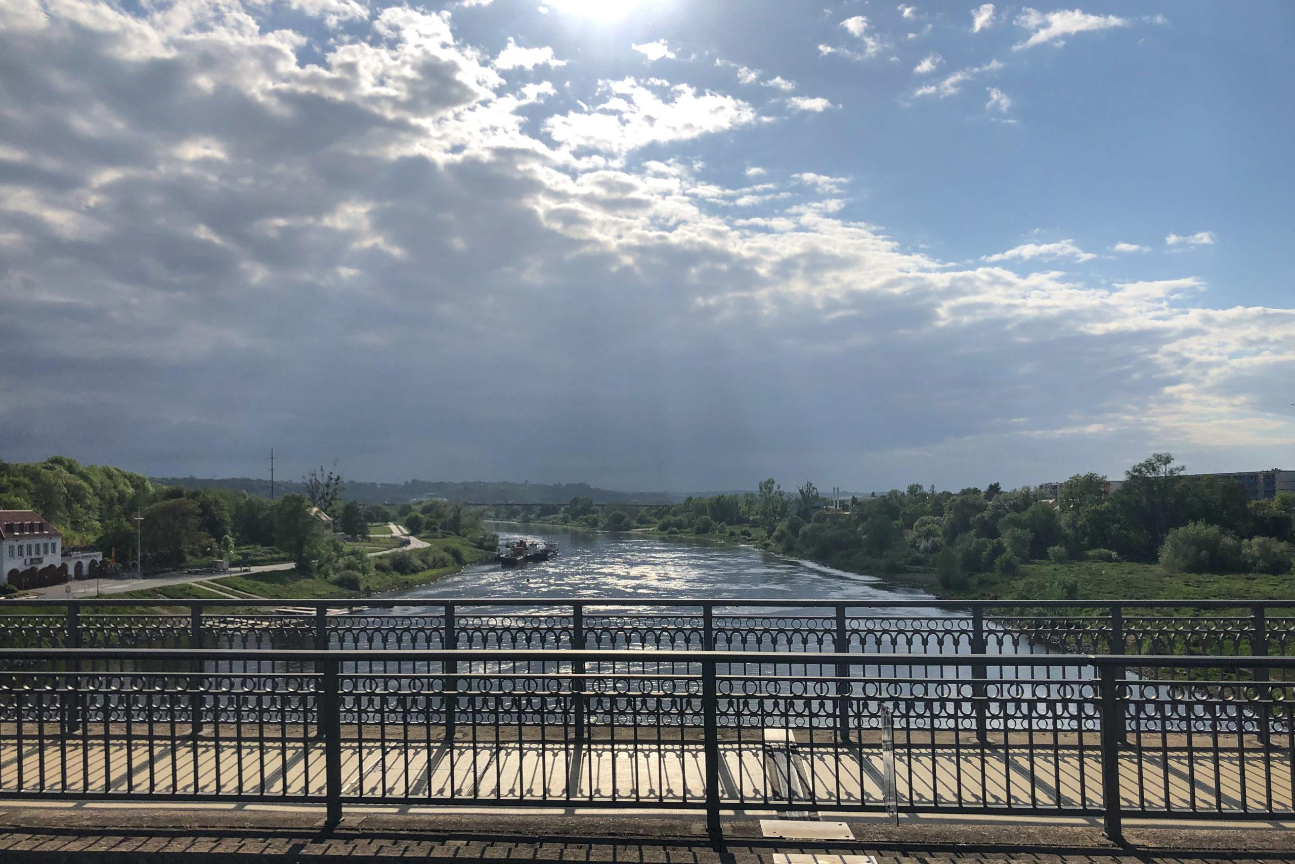 Querung der Elbe in Pirna