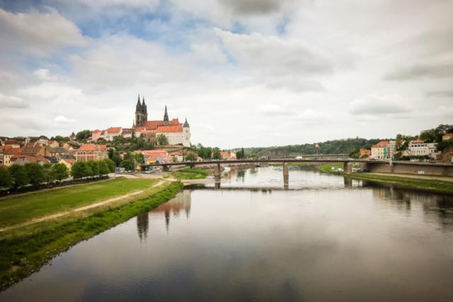 Blick zum Meißner Dom mit Elbe