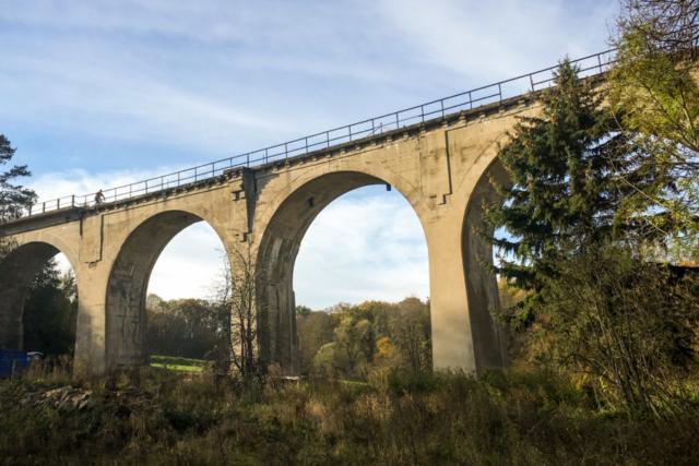 ein toller Viadukt führt uns über das Löbauer Wasser