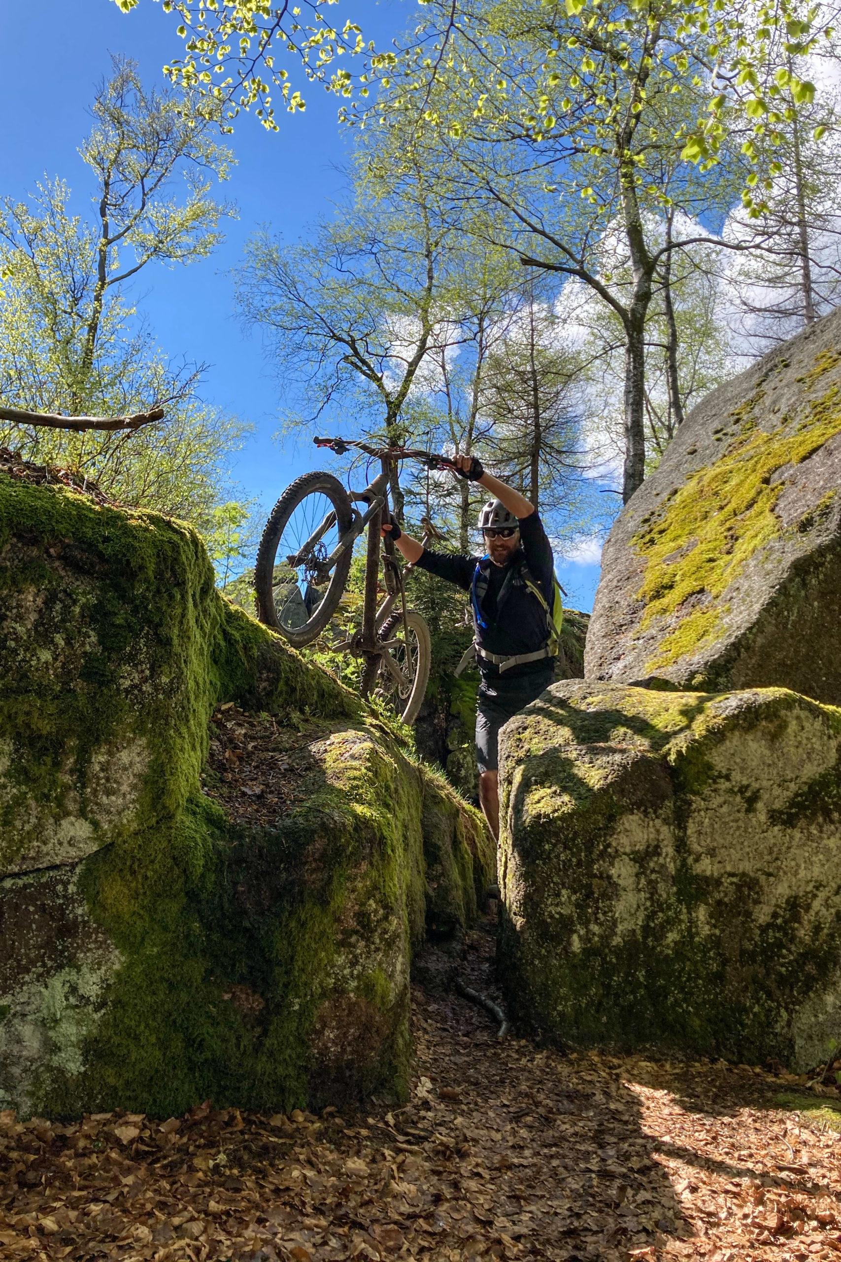 Klettern, war permanent angesagt... hier mal mit Bike