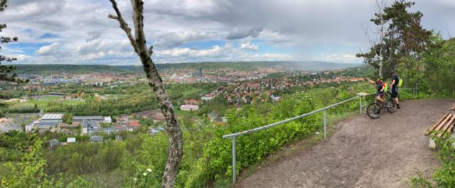 toller Ausblick auf Jena zzgl. sich ankündigenden Regenschauer